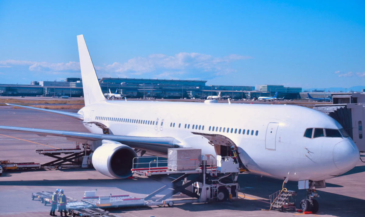 In the aviation forwarding business, we connect the world and provide one-stop services.